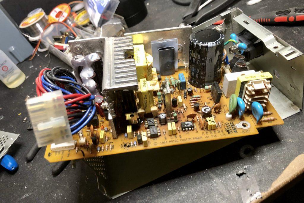 Performa 630 - PSU logic board